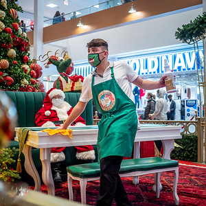 122020_4628_Shoppers