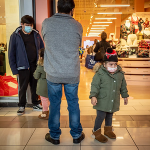 122020_4505_Shoppers