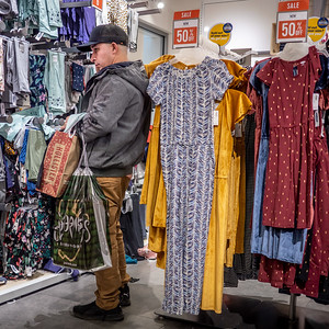 122219_2733_Shoppers