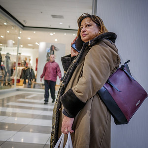 122317_0061_Shopping