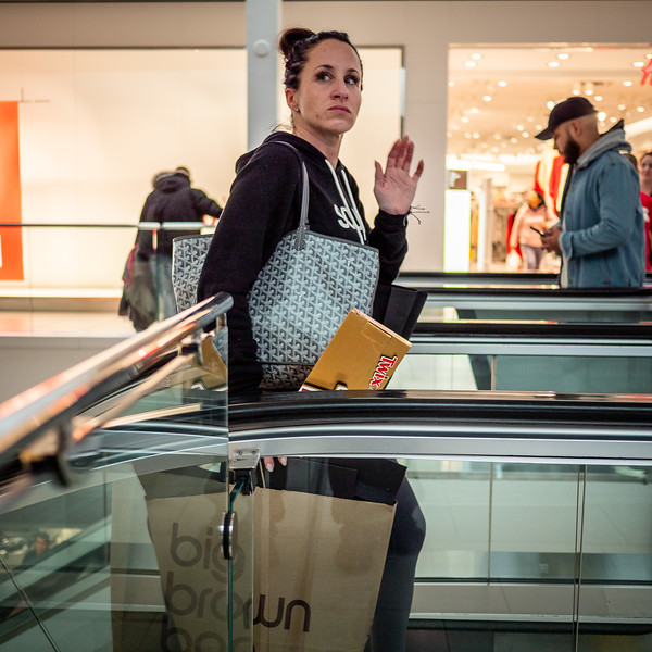 122318_7157_Shoppers