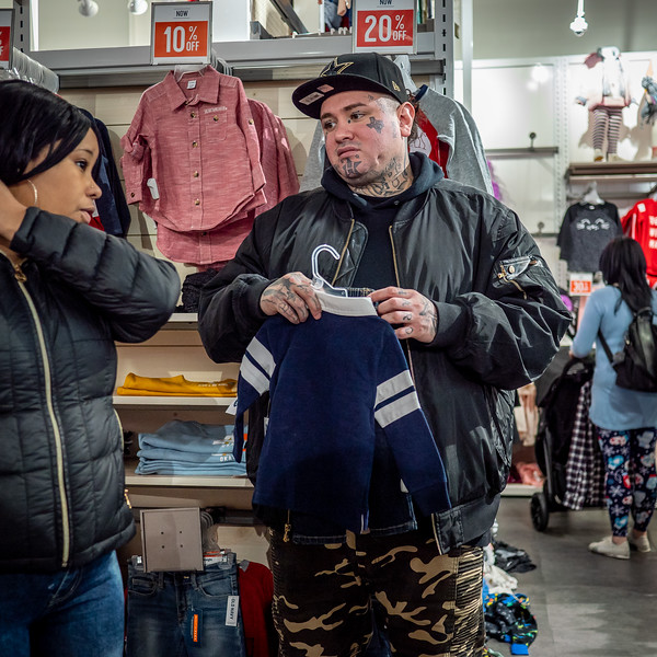 122318_7184_Shoppers