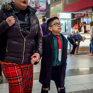 122318_7120_Shoppers