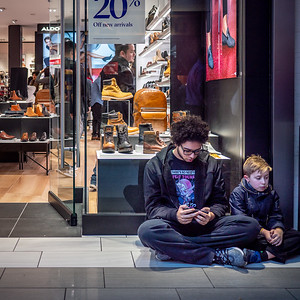 122318_7026_Shoppers