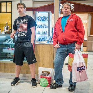 120416_3863_Shoppers