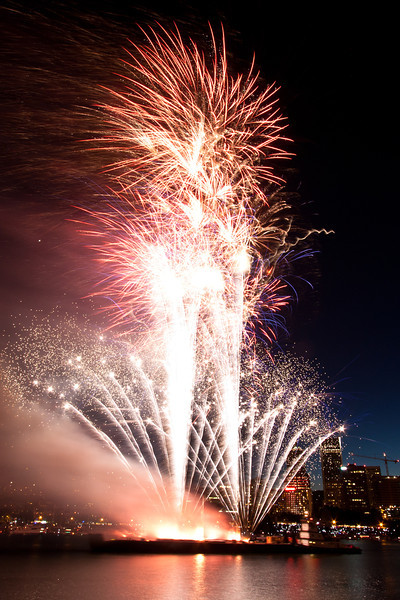 "4th of July <br /> A photo of fireworks on the Willamette River in Portland, Oregon.<br /> Purchase this photo at the top right by clicking ""buy"".<br /> 2x3 printing format<br /> 16""x24"" Max printing size<br /> Displayed at 8""x12"""