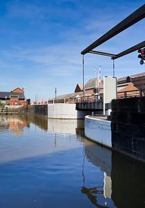 017-glos-docks