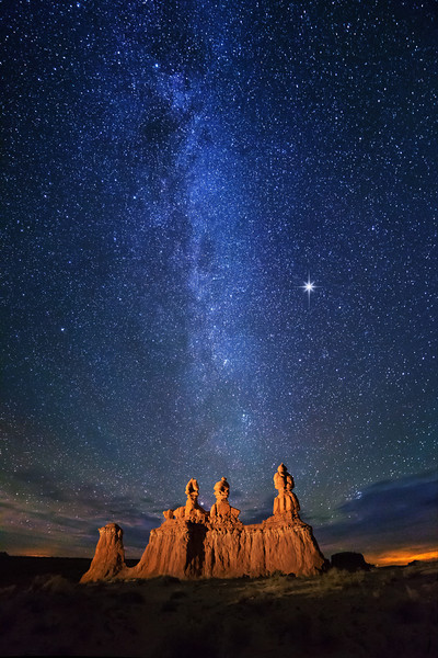 Stars over Three Sisters Hoodoos
