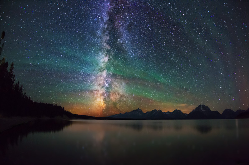 Airglow_Jackson-Lake-Tetons_A9073Fwv