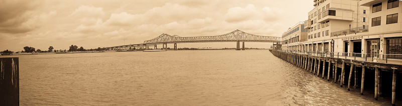 New Orleans Muddy Mississippi_Panorama1