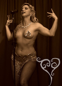 Genevieve  Keyhole Cabaret - Burlesque show in San Diego