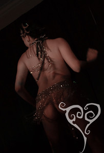 Mynx d'Meanor  Midnight at Tiki Oasis - Femme Fatale Follies - Burlesque show in San Diego, CA