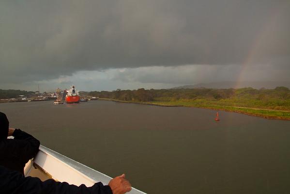 Day 8 - Panama Canal / Gatun Locks