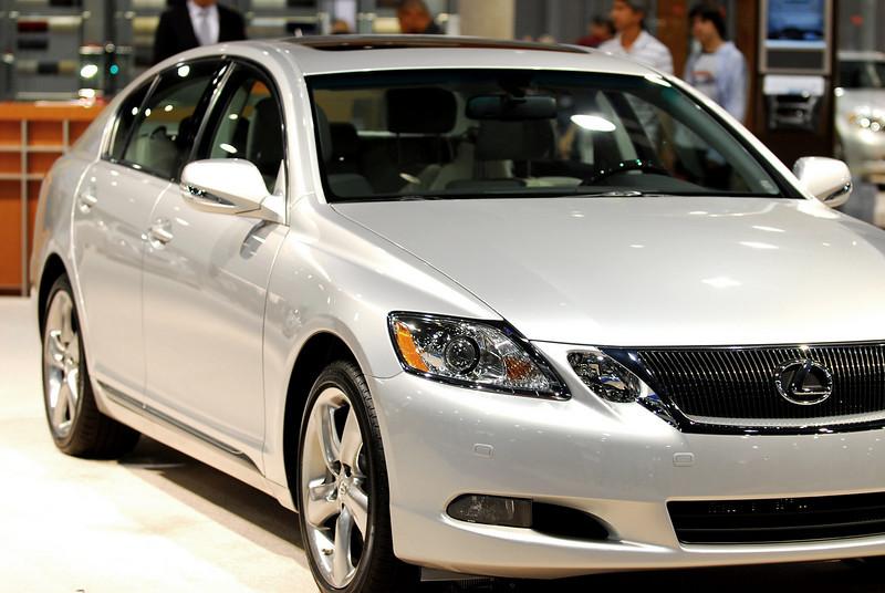 Lexus LS 600 hL Hybrid.