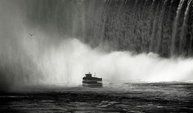 Maid of the mist 01