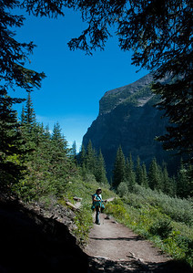 hike to Plain of Six Glaciers