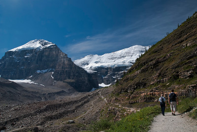 towards Plain of Six Glaciers