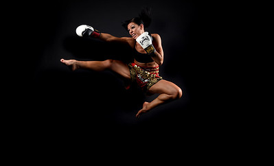 Muy-Thai Boxer Helen Wilson,female boxer sport boxing thai boxing martial arts