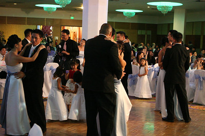 More couples dance