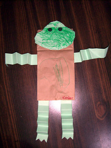 Paper frog puppet that Kimber made in daycare (6.15.2007).