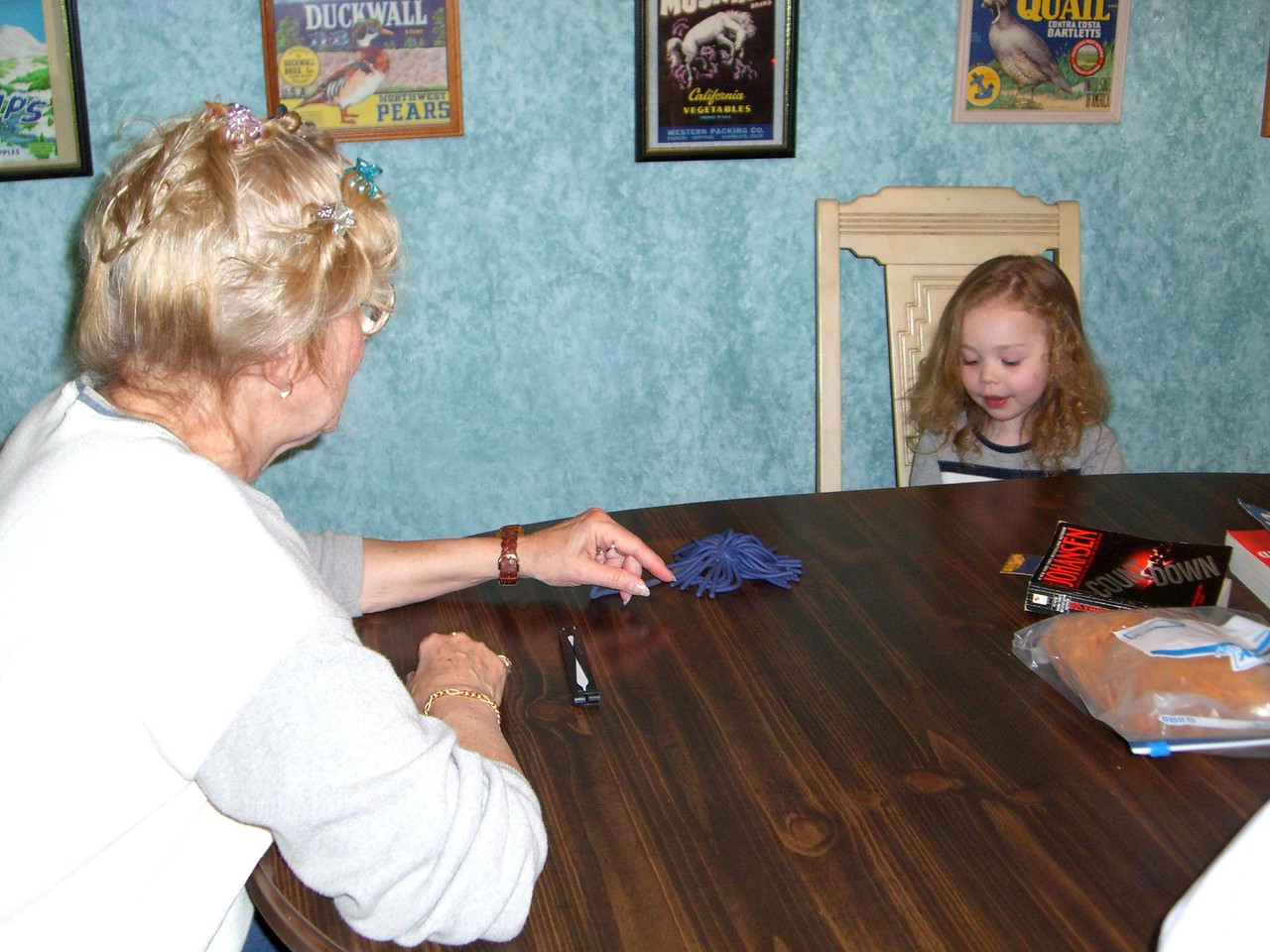Grandma and Kimber singing Itsy-Bitsy-Spider.