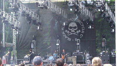 Black Rebel Motorcycle Club on the main stage.