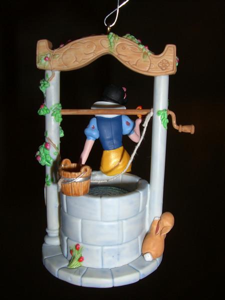 2007 keepsake Christmas ornament - Snow White