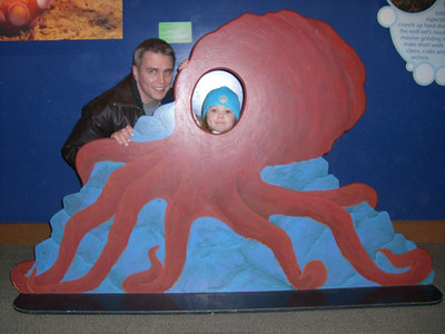 Daddy is riding the dangerous Kimber octopus!