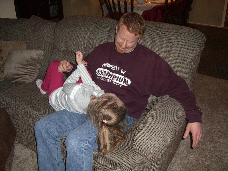 Thanksgiving '08 - tickle time