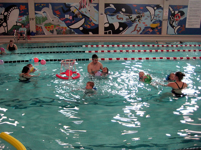 Pool basketball! Swim lessons - week 6 (final class)