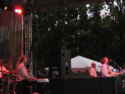 2009.09.05 - Eric Hutchinson & band
