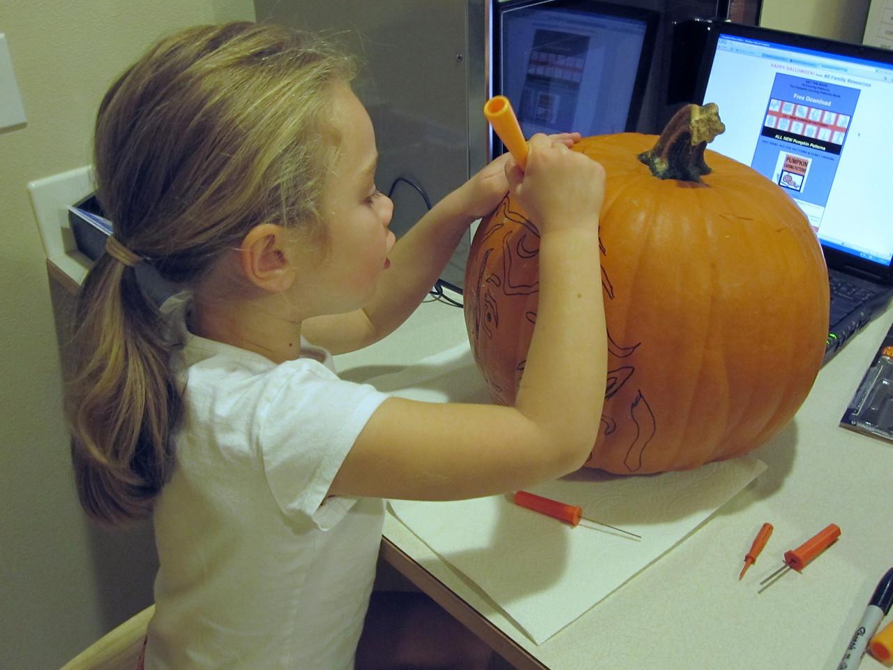 Halloween '09 - Carving pumpkins