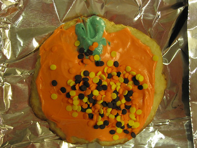 Halloween '09 - Baking cookies