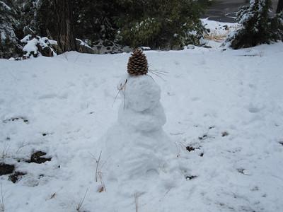 2009.10 - Tahoe. Grandma Carol and Kimber's snowman.