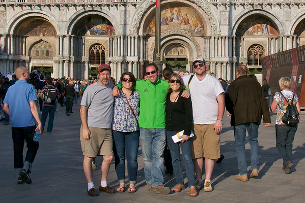 DSC_5027 - in front of Basillica Sanmarco, in Piazza Sanmarc, Venice, Italy