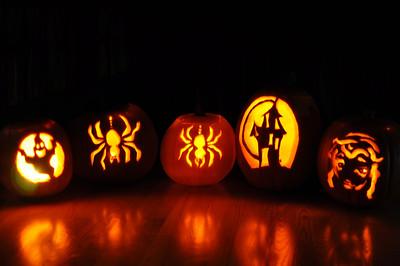 2011.10 - Pumpkins have been carved!