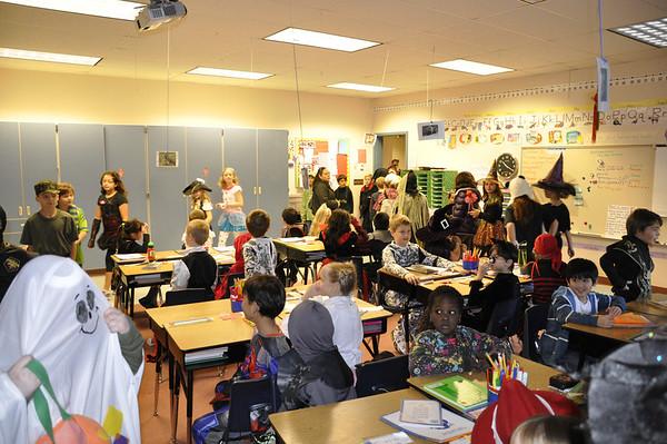 Halloween Pumpkin Parade at Columbia Elementary - The kids parading through Kimber's classroom