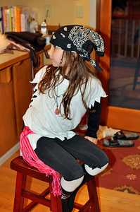 Sep. 2011 - Mom & Ben's visit. The pre-Halloween party. Lexi, the pirate.
