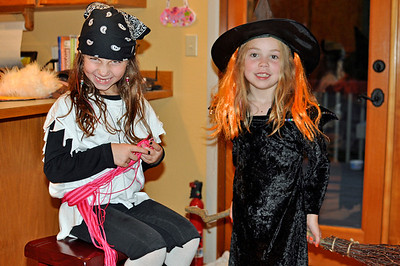Sep. 2011 - Mom & Ben's visit. The pre-Halloween party. Lexi and Kimber all dressed up.