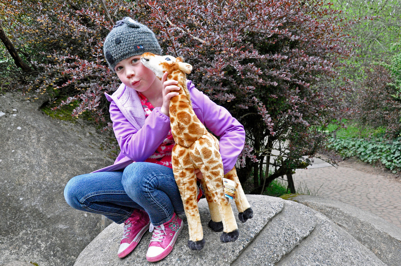 2012.04 - Zoo. Kimber and Spots, the giraffe.