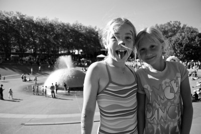 2012.09 - Bumbershoot: playing in the fountain