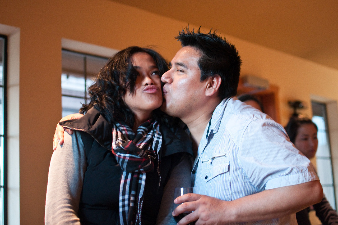2012.10 - Chad's birthday: wine tasting in Prosser, WA. Kiss