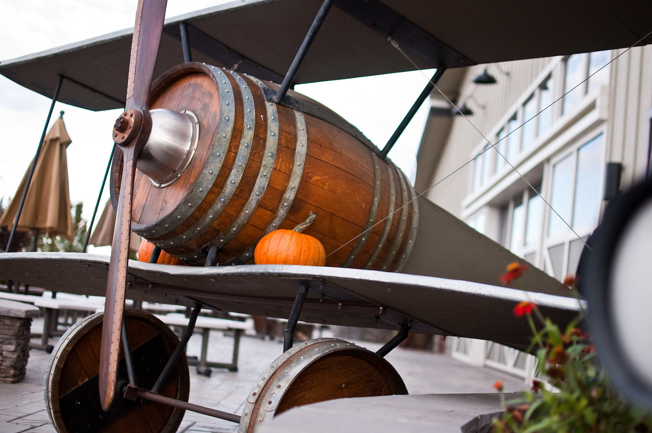 2012.10 - Chad's birthday: wine tasting in Prosser, WA. Cool barrel plane!