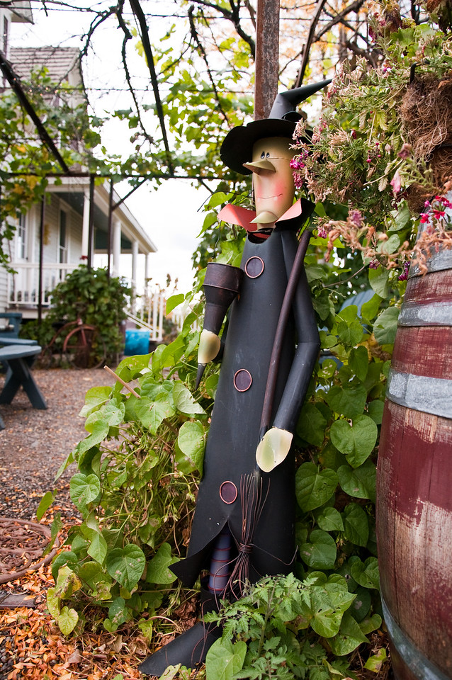 2012.10 - Chad's birthday: wine tasting in Prosser, WA. 7 Gables Pensione B&B.