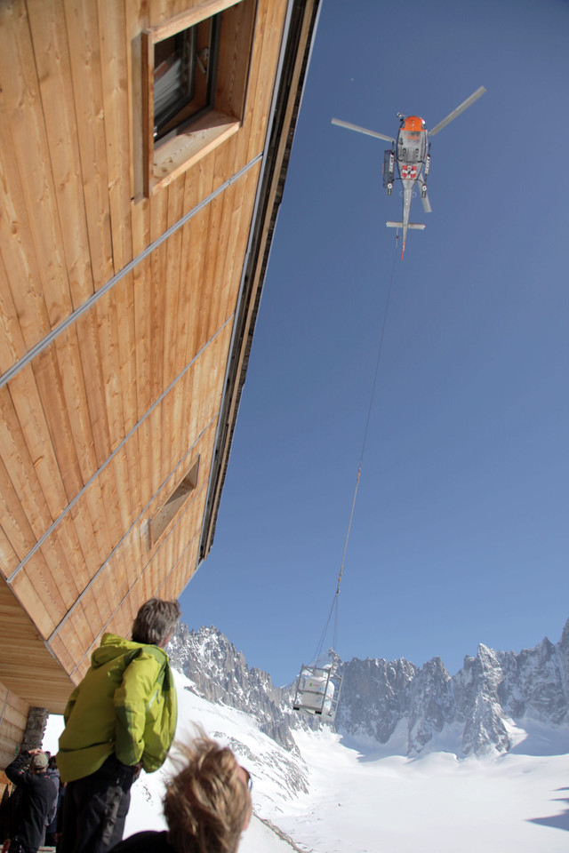 Back at the hut, it was a drop day. Seeing the helicopter come in was pretty cool!