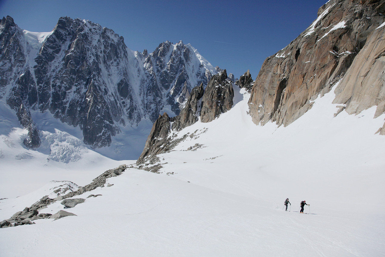 Heading up to the Amethystes glacier.