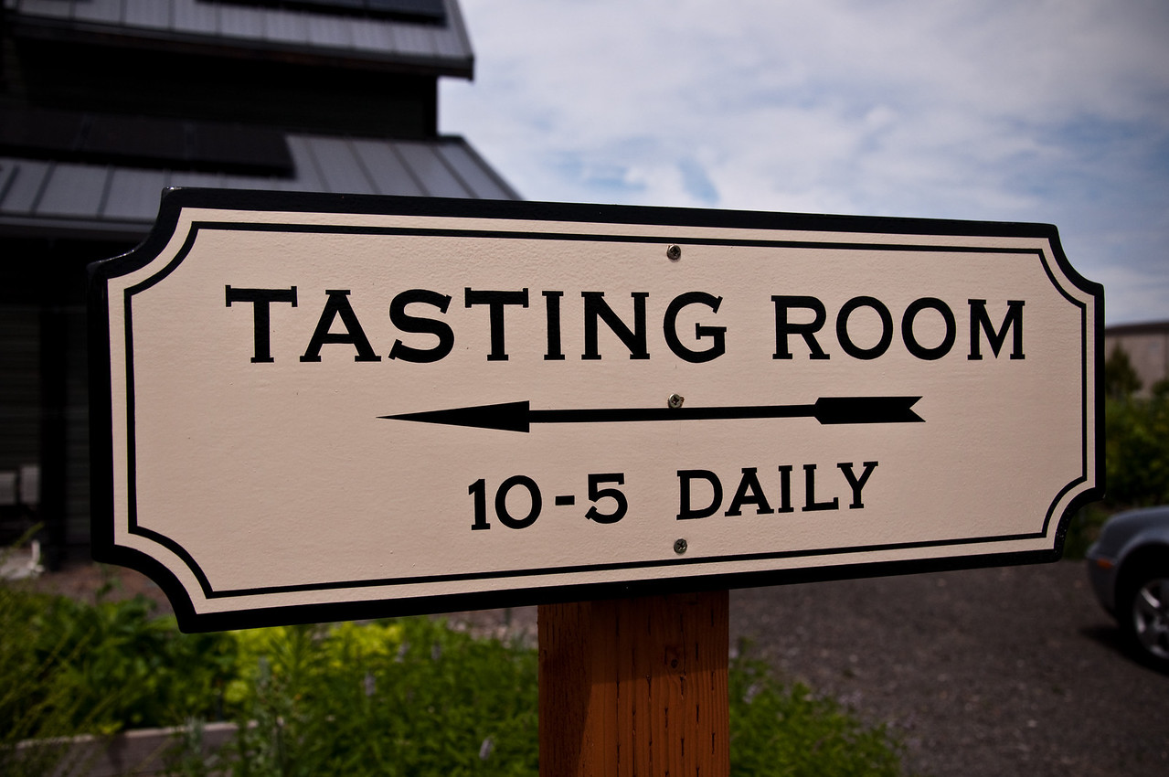 2012.06 - Ivory's birthday: wine tasting in Walla Walla. On our way to the tasting room at Woodward Canyon winery.