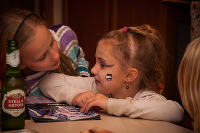 Halloween '13 - Checking out the Monster High girl