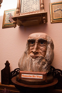 2013.03 - Trip to San Antonio - Leonardo Da Vinci bust carved by Papa Ben