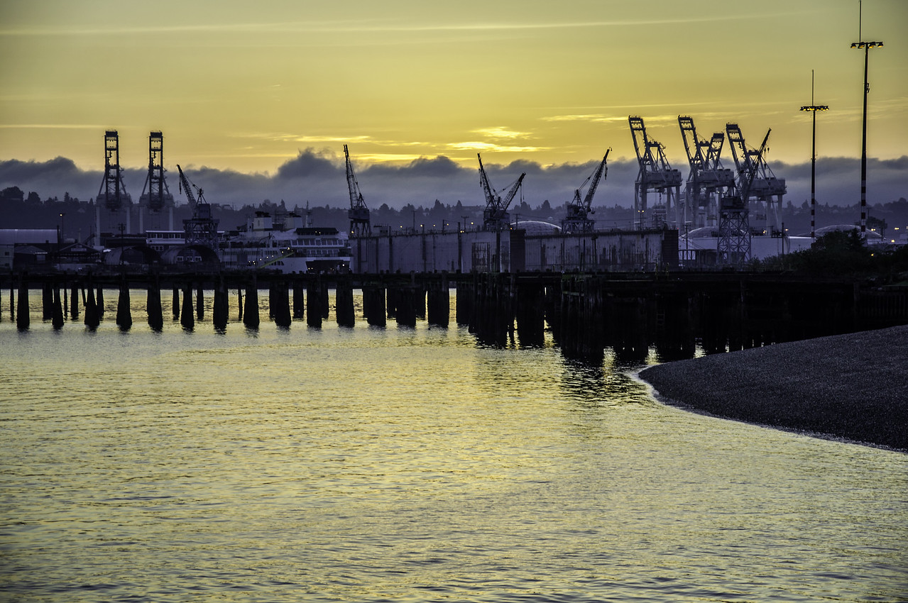 2014.10.05 - Seattle shipyards during sunrise...from Jack Block park in Alki